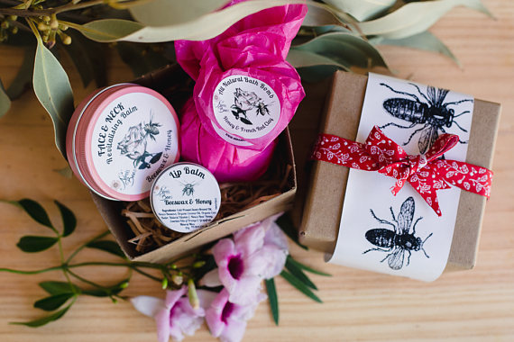 Relaxation Gift Pack  with one Balm ( of your choice), Bath bomb and Lip balm.